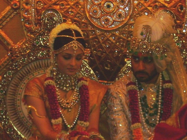 Abhishek_and_Aisharya1.JPG
